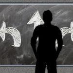 Savoir décider est une des qualité des entrepreneurs. Le développement personnel propose des solutions pour apprendre à décider