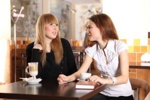 Devez-vous parler de vos buts aux autres ? Un débat existe sur la nécessité ou pas de parler de vos priorités. Est-ce utile d'en discuter pour atteindre vos objectifs personnels. Didier Pénissard y répond