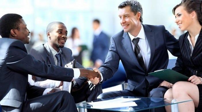 Comment influencer les gens Le principe pour influencer les autres est d'abord de s'intéresser à eux